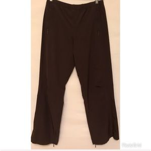 Lucy Medium Ankle Zippers Darts at Knees Pants